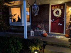 Halloween house tour - porch decorations