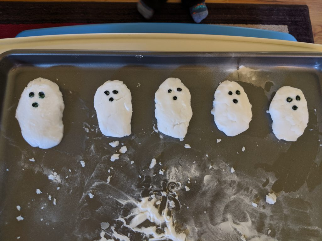 Baking Soda Ghosts